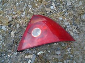 FORD MONDEO REAR DRIVERS SIDE LIGHT