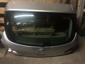 Vauxhall Astra j boot lid 2014