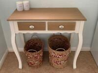 Shabby chic style console