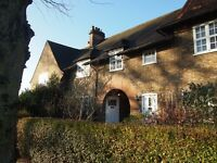 3 bed cottage to rent in Asmuns Place, Temple Fortune NW11 £2,167 pcm (£500 pw)