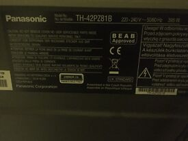 42 inch TV Panasonic and wall mount freesat model th-42pz81b