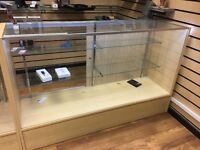 Display cabinets like Brand new