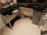Glass computer/tv table/desk - Black