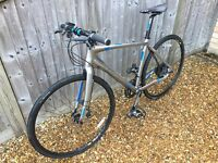 IMMACULATE CONDITION - AS NEW, BOARDMAN HYBRID TEAM BIKE - FULL CARBON FORK