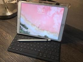 **REDUCED** IPAD PRO 10.5 2017 ROSE GOLD WITH APPLE KEYBOARD AND PENCIL