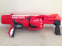 NERF MEGA ROTOFURY GUN WITH ALL DARTS IN EXCELLENT CONDITION