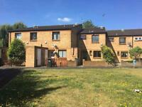 3 bedroom house in Ede Close, Hounslow