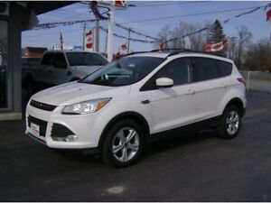 2013 Ford Escape WITH LEATHER , DUAL MOON ROOF !! REAL NICE !!