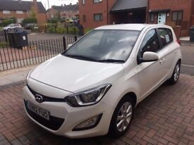 Hyundai i20 Active Very good condition ( no smoker lady owner)