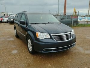 2014 Chrysler Town & Country Touring 3.6L V6 Stow N Go Low Payme