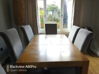 Oak effect dining table & 6 chairs. .