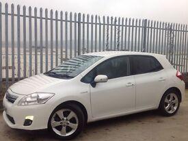 2010 TOYOTA AURIS T SPIRIT 1.8 HYBRID 5 DOORS HATCH BACK AUTO WHITE ++ LOW MILEAGE!!! ++