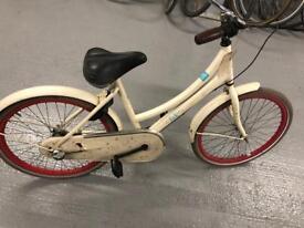 Girls Dutch bikes