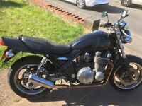 Kawasaki Zephyr zr1100 1994 vintage motorcycle. Good working order with new MOT