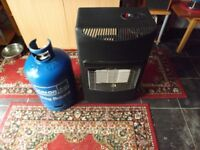 Mobile gas heater and gas bottle