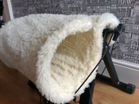 Cat bed over the radiator washable