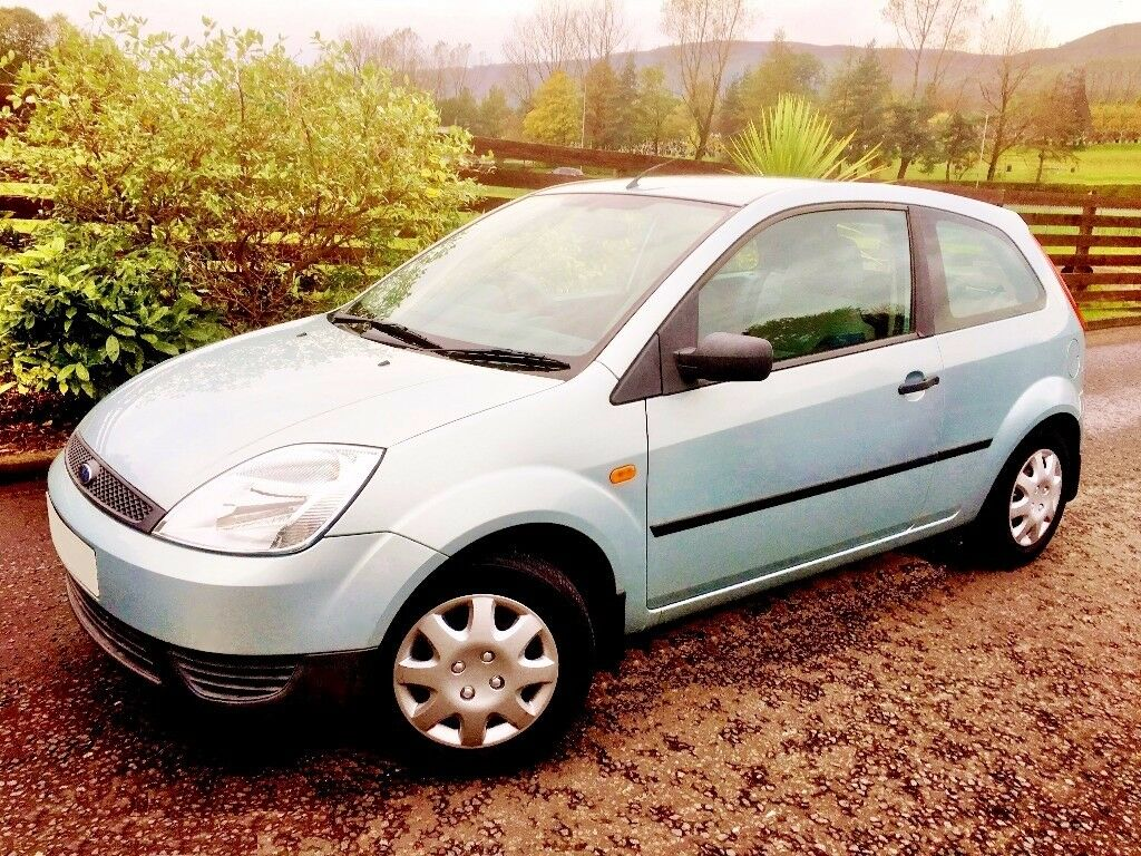 MOT 1 YEAR. VERY LOW MILEAGE MOST IMMACULATE FIESTA. DRIVES AS NEW. CHEAPEST INSURANCE. 60 MPG.