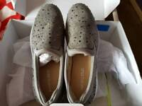 Heavenly sole shoes size 7