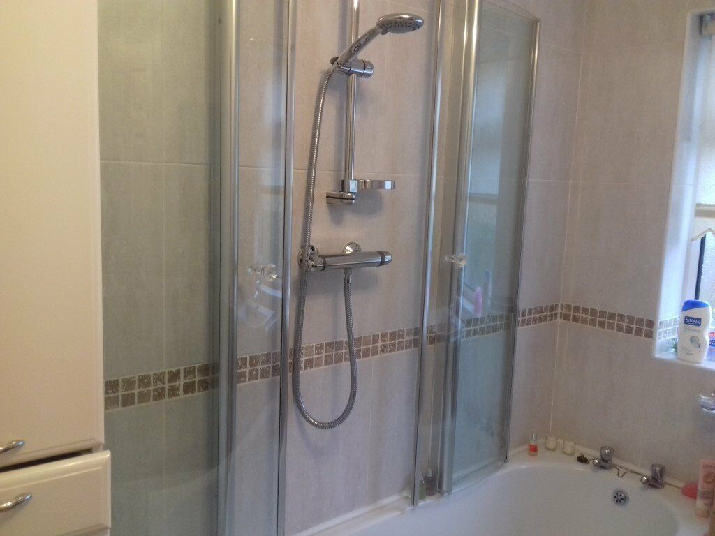 Glass Shower Enclosure Fitted Over The Bath Excellent Condition In