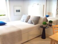 SHORT TERM offered _ clean, relaxed flat share (stay a few WEEKS or 2-3 MONTHS) Earl's Court, Zone 1