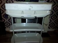 Mamas & Papas changing table & bath, hardly been used.