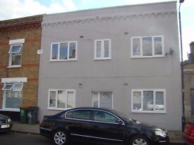 HUGE 4 BED HOUSE / PLAISTOW E13 / 4 LARGE DOUBLE ROOMS / CLOSE TO STN / GARDEN&LOUNGE