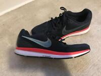 Gents Nike trainers 9.5 uk excellent condition