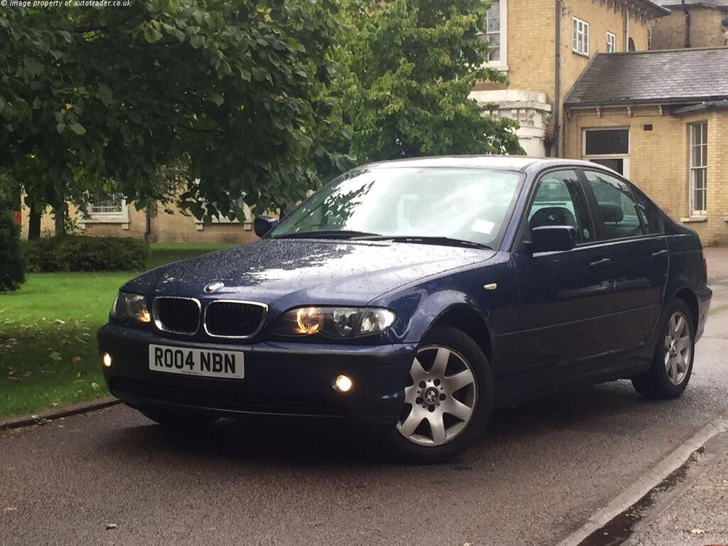 Selling my BMW 318i autometic great bodywork with low milage