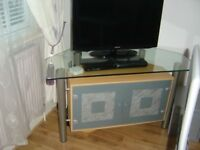 MODERN DINING ROOM / LIVING ROOM TV CABINET IN BEECH AND TEMPERED GLASS