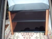Alphoson TV Cabinet Fine woods black top and to black glass shelves good quality item must be viewed