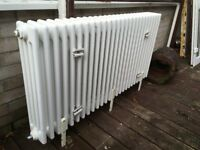 Four column cast iron radiator - Floor or wall mounted