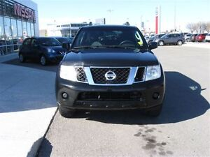2011 Nissan Pathfinder 4x4, Air, Tilt and Cruise,New windshield