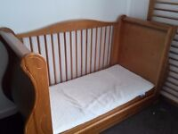 cotbed and 1 kids bed