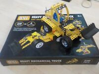 Heavy Mechanical Truck - DIY Metal Construction Model Kit - Age 8+ - £5 - Collect PE27