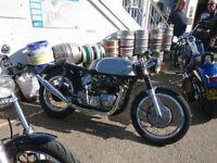 Triton Norton dominator bonnevile Triumph T120 classic vintage Cafe racer Manx TT