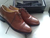 2 PAIRS OF GENTS SHOES 1 PAIR TAN BROGUES SIZE 9 1 PAIRB ROWN LEATHER 8.5