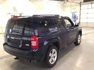 2015 Jeep Patriot NORTH EDITION| 4X4| SUNROOF| BLUETOOTH| 30,868 Cambridge Kitchener Area image 9