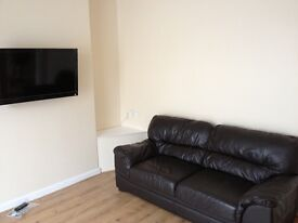 4 AND 5 BED STUDENT HOUSE AVAILABLE FOR 2017/2018.LOCATED MOUNT PLEASANT, SWANSEA. NO AGENTS FEES