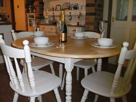 EXTENDING ROUND FARMHOUSE TABLE & CHAIRS - DELIVERY AVAILABLE
