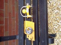 2 NEW TRAILER /CARAVAN HITCH LOCKS WITH KEYS.