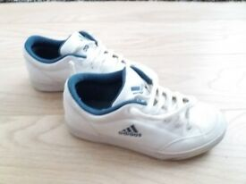 ADIDAS TRAINERS SIZE 4 WHITE WORN A COUPLE OF TIMES LIKW BRAND NEW