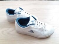 ADIDAS TRAINERS SIZE 4 like BRAND NEW