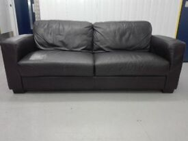 Leather 3 seater sofa settee in very good condition / free delivery