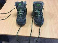Walking / hiking boots children worn twice from a smoke & pet free size uk 10 home still boxed £14