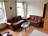 Double and Single Rooms in a Three Bed Flat Available Now £320pcm Including Bills