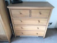 5 Drawer Solid Oak Chest of Drawers.