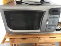LG Microwave - Good condition - Silver