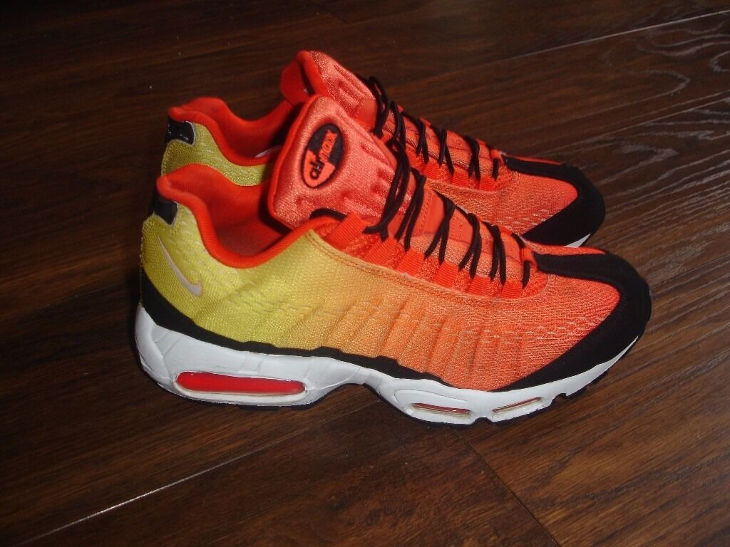 """NIKE AIR MAX 95 EM SUNSET PACK TEAM ORANGE TOTAL CRIMSON size uk 10in Sparkbrook, West MidlandsGumtree - NIKE AIR MAX 95 EM """"SUNSET PACK"""" COLOR Team Orange Black Total Crimson Fantastic running shoes with a unique color combination Size 10 uk used good condition some minor wear on white outer sole a few nicks here and there(see photos) very rare"""