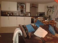 Double funished room to rent in flat share in the heart of Ripponden