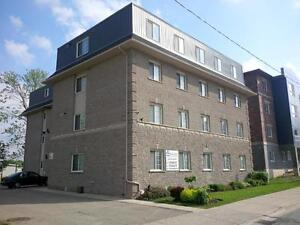 Cozy and spacious Student apartments @ 35 Columbia $400 GC